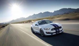 Ford Shelby GT350 Mustang 04