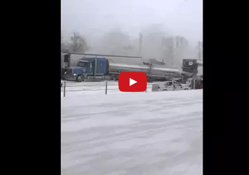 193 vehicles pile up in incredible unfortunate Michigan car crash (Video)