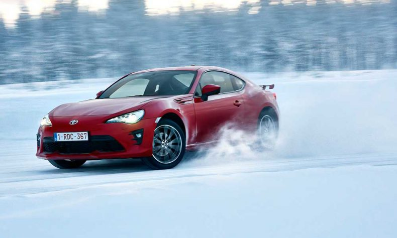 Driving Toyota GT86 On Snow Can Lead To Only One Thing – A Spin