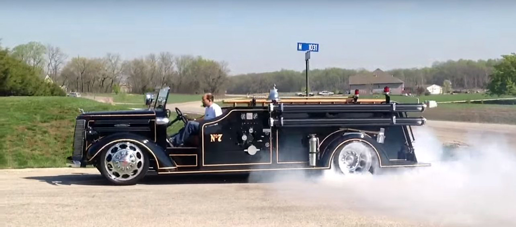 1944 Mack Fire Truck Takes The Art Of Burnouts To A Whole New Level With A Viper V10 Engine
