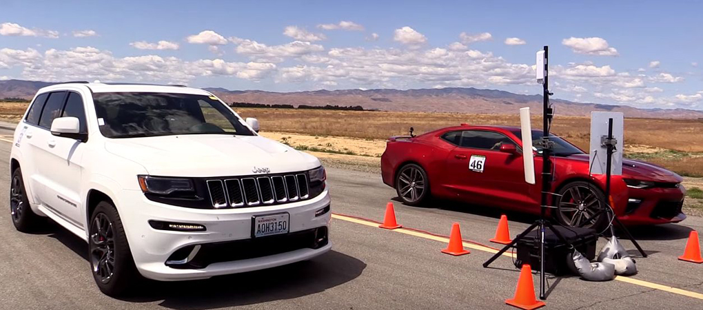 Grand Cherokee SRT Racing Against The Camaro SS Is All You Need To Figure Out Drag Racing